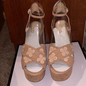 Shoes - Nine West platforms